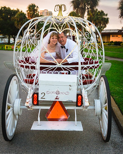 supple_wedding_carriage_ride_1058
