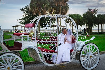 supple_wedding_carriage_ride_1039