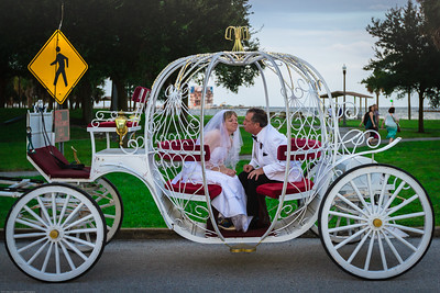 supple_wedding_carriage_ride_1047