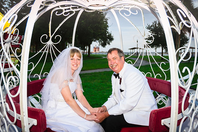 supple_wedding_carriage_ride_1050
