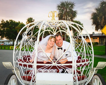 supple_wedding_carriage_ride_1051