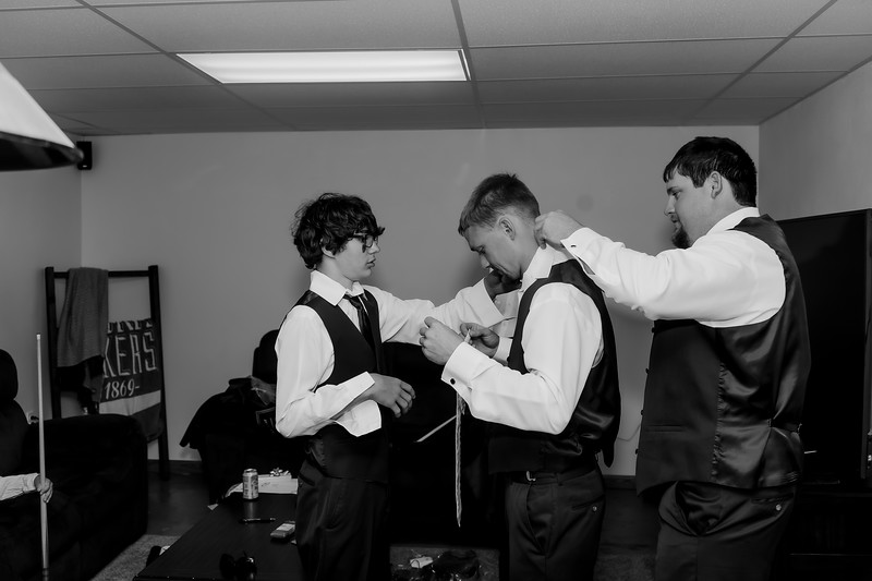 00005©ADHphotography2021--Forbes--Wedding--May22BW