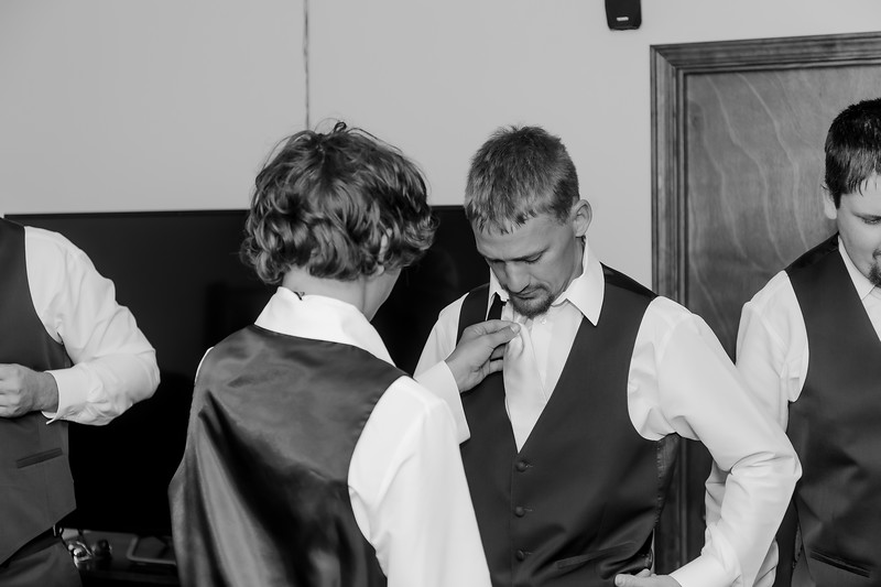 00009©ADHphotography2021--Forbes--Wedding--May22BW