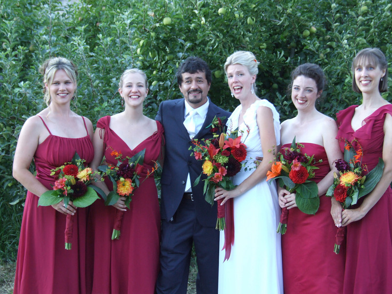 Group portrait of the wedding party