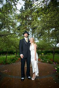 7009_d800_Nicole_and_Jesse_Shakespeare_Garden_Golden_Gate_Park_Wedding_Photography