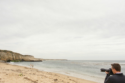 2158_d700_Ellen_and_John_5-Mile_Beach_and_Deerhaven_Bonny_Doon_Wedding_Photography_SG
