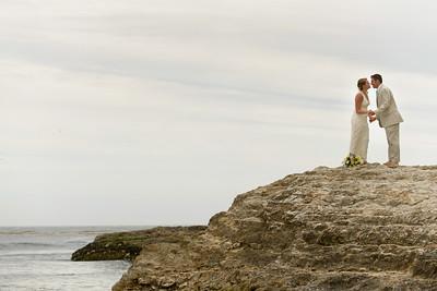 0681_d800b_Ellen_and_John_5-Mile_Beach_and_Deerhaven_Bonny_Doon_Wedding_Photography