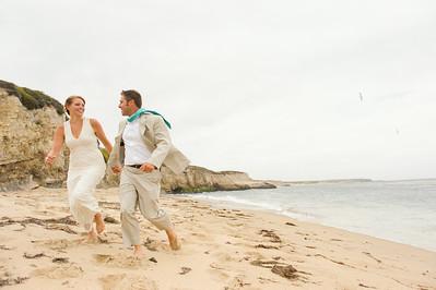 2190_d700_Ellen_and_John_5-Mile_Beach_and_Deerhaven_Bonny_Doon_Wedding_Photography_SG