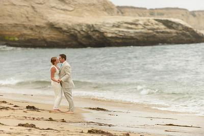 0706_d800b_Ellen_and_John_5-Mile_Beach_and_Deerhaven_Bonny_Doon_Wedding_Photography