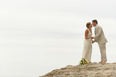 0686_d800b_Ellen_and_John_5-Mile_Beach_and_Deerhaven_Bonny_Doon_Wedding_Photography