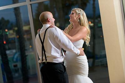 7880_d810a_Molly_and_Jay_Dream_Inn_Santa_Cruz_Wedding_Photography