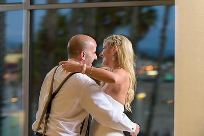 7896_d810a_Molly_and_Jay_Dream_Inn_Santa_Cruz_Wedding_Photography