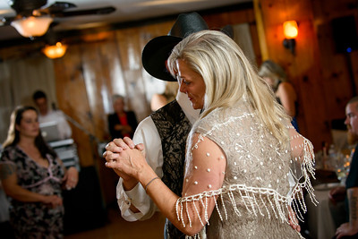 9285_d800b_Paige_and_Dwayne_Foresthill_Lodge_Wedding_Photography