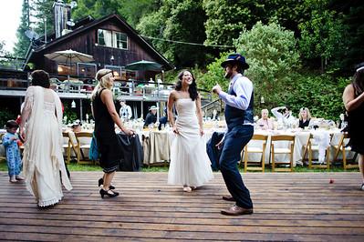 4371-d700_Erin_and_Justin_Laurel_Mill_Lodge_Los_Gatos_Wedding_Photography