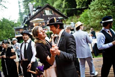 4436-d700_Erin_and_Justin_Laurel_Mill_Lodge_Los_Gatos_Wedding_Photography