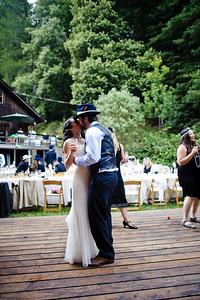 4367-d700_Erin_and_Justin_Laurel_Mill_Lodge_Los_Gatos_Wedding_Photography