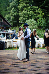 4366-d700_Erin_and_Justin_Laurel_Mill_Lodge_Los_Gatos_Wedding_Photography
