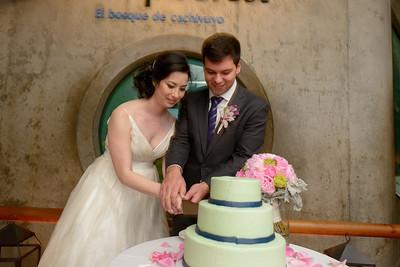 9813_d800b_Jamie_and_Jake_Monterey_Bay_Aquarium_Wedding_Photography