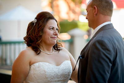 9569_d800_Marianne_and_Mike_Monterey_Plaza_Hotel_Wedding_Photography