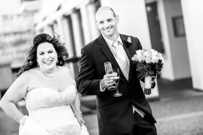 0002_d800_Marianne_and_Mike_Monterey_Plaza_Hotel_Wedding_Photography