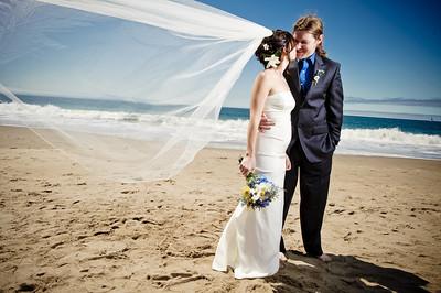 3941-d3_Laura_and_Kaylen_Santa_Cruz_Wedding_Photography