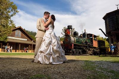 1572_d810a_Alexis_and_Zach_Roaring_Camp_Felton_Wedding_Photography
