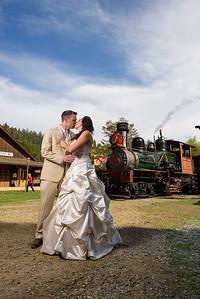1570_d810a_Alexis_and_Zach_Roaring_Camp_Felton_Wedding_Photography