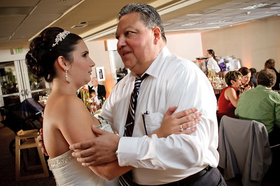 1447-d700_Christine_and_Joe_Scotts_Valley_Hilton_Wedding_Photography