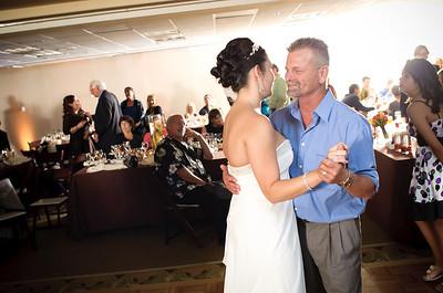 1357-d700_Christine_and_Joe_Scotts_Valley_Hilton_Wedding_Photography