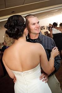 1422-d700_Christine_and_Joe_Scotts_Valley_Hilton_Wedding_Photography