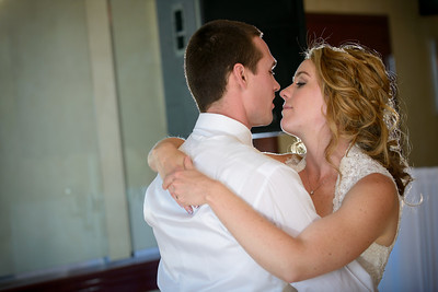 0638_d800_Kaelin_and_Jayson_Riva_Grill_and_South_Lake_Tahoe_Golf_Course_Wedding_Photography