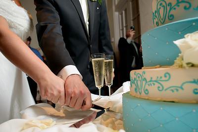 0904-d800_Renee_and_Zak_Saints_Peter_and_Paul_Church_Olympic Club_San_Francisco_Wedding_Photography