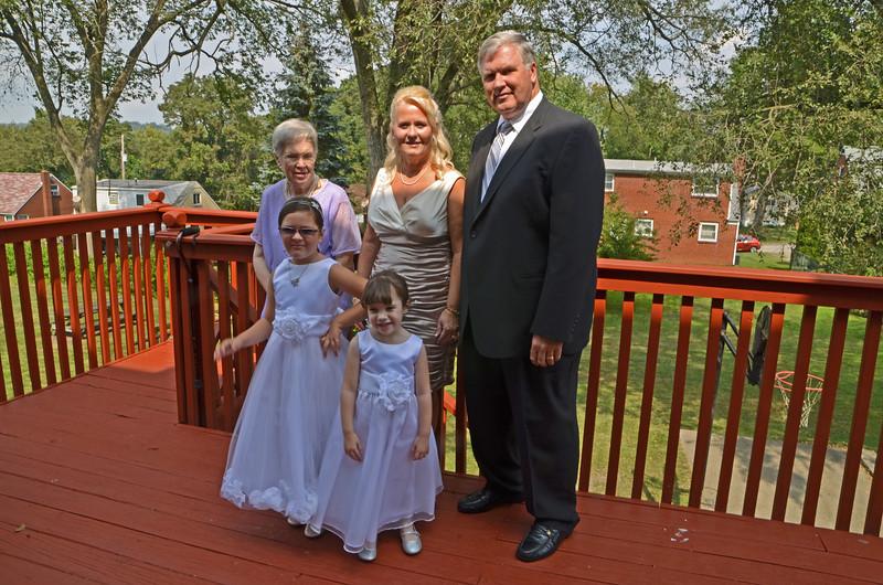 Grandma Pam Pete Tessa Alexis KCI_1215_edited-1