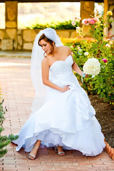 Wayfarers Chapel bride