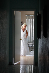 getting ready bride-20