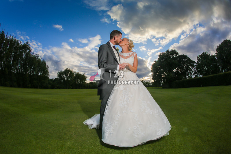 Danielle and Glenn's wedding photography Cleckheaton Golf Club
