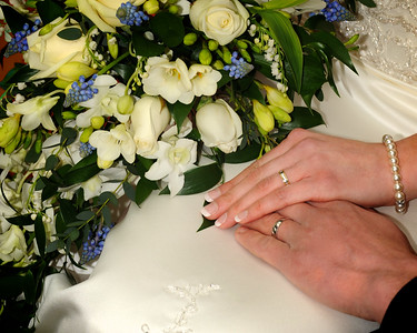 bouquet and rings 2