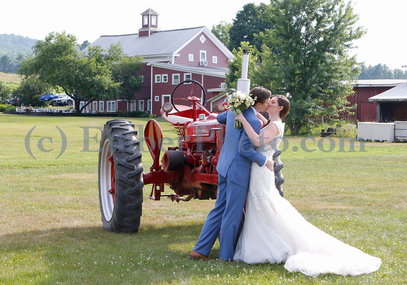 Cara & Pete - July 14, 2018 - Boyden Farm - Cambridge, VT<br /> <br /> ©Brian Mohr and Emily Johnson/ EmberPhoto - All rights reserved