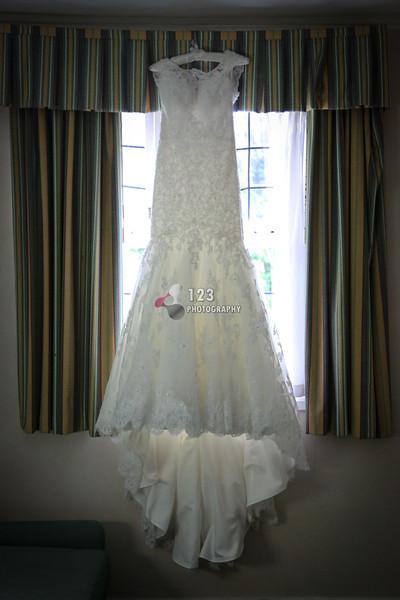 wedding photography Holiday Inn Tong