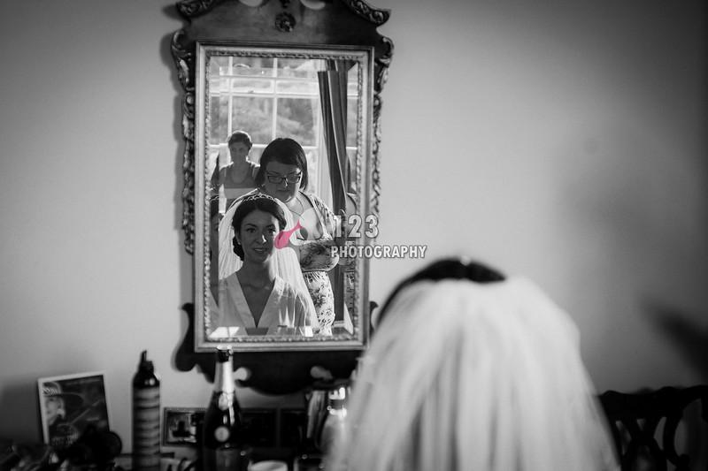 wedding photography Leeds Parish Church