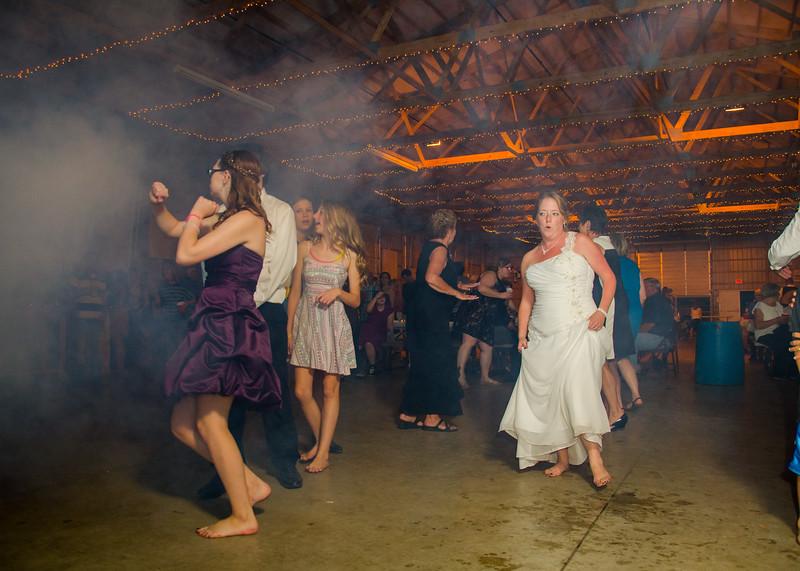 Loehrs wedding bride dancing