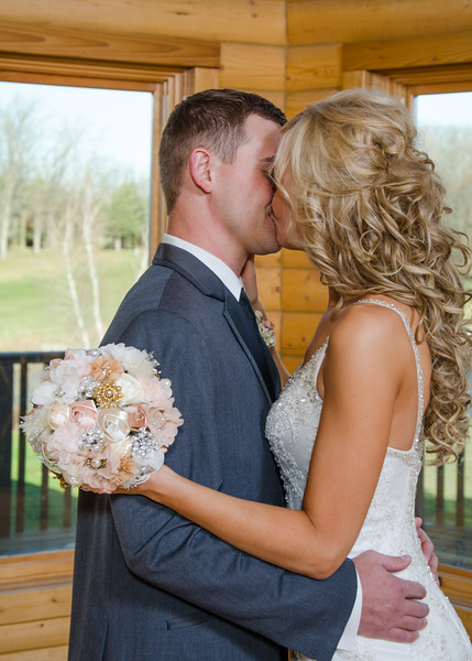 peyton wedding bride and groom kissing