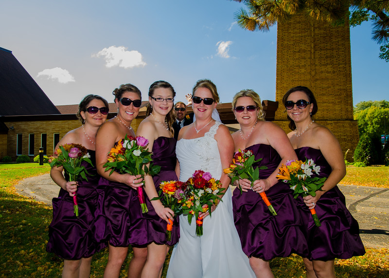 Loehrs Wedding bride with bridesmaids in sunglasses