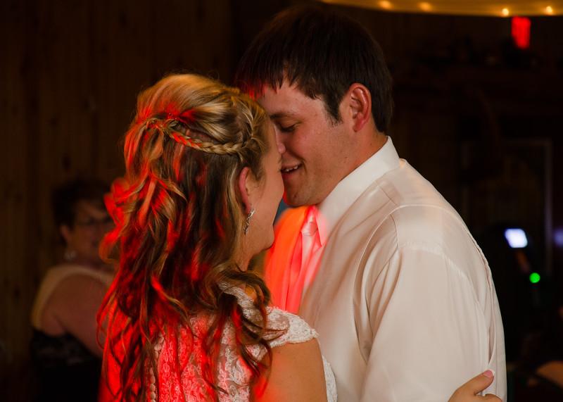 Loftus wedding bride and groom dancing