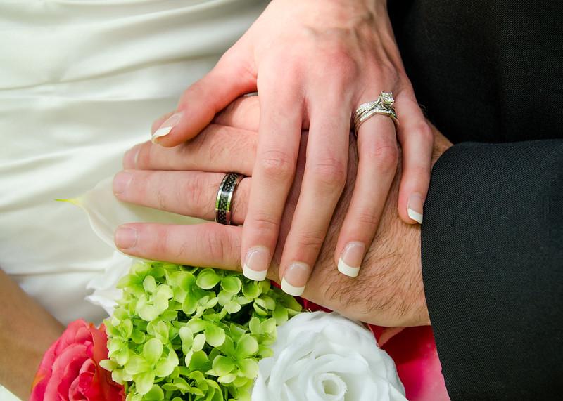 Wiskus wedding hands