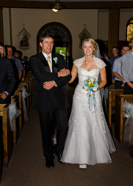 Holt wedding bride with father
