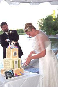 holly cutting cake