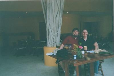 029_HoneymoonDiningInMexico