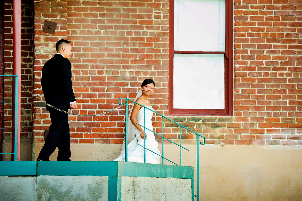 mitten building wedding