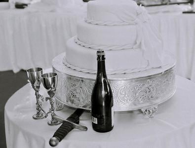 cake sword vino